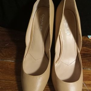 Charles david heels size 9 1/2